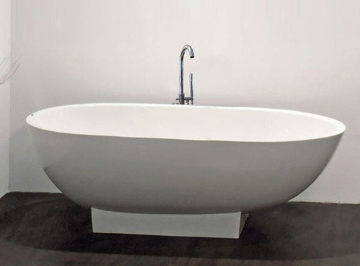 VOGUE Standing Bathtub